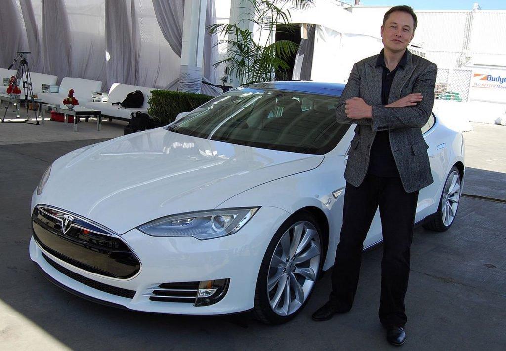 Tesla auto elettriche Cina