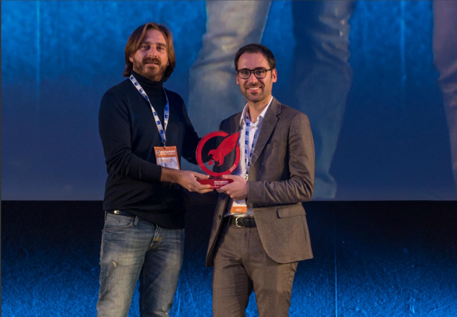 7409b8048dbf Massimiliano Ciociola a StartupItalia! Open Summit ha premiato Viralize