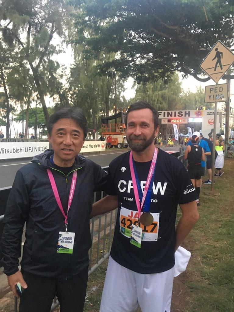 Tobia Caneschi e il CEO di NTT DOCOMO alla maratona di Tokyo