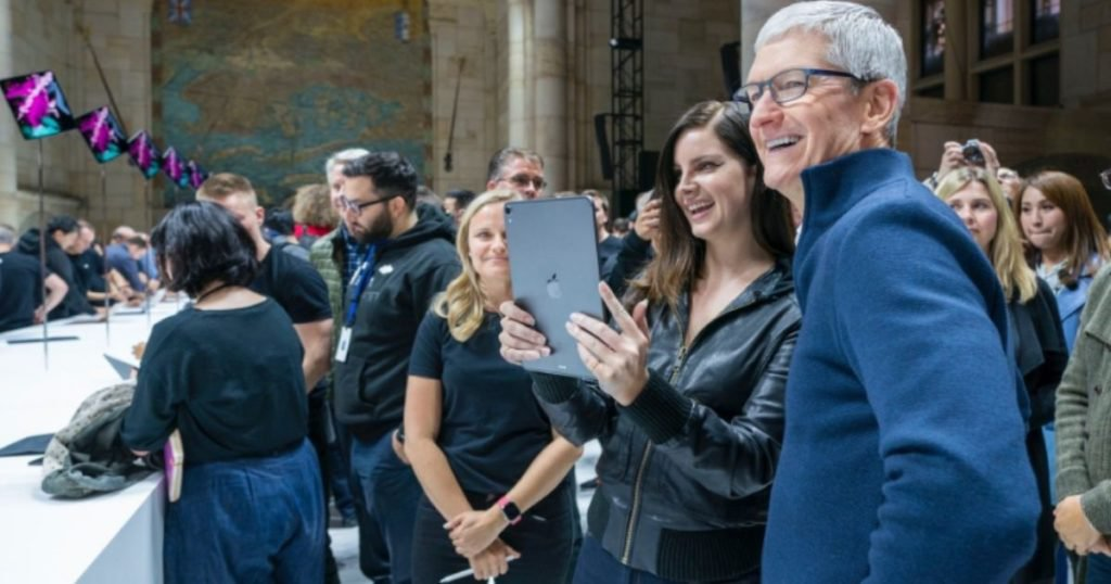 Tim Cook in Apple