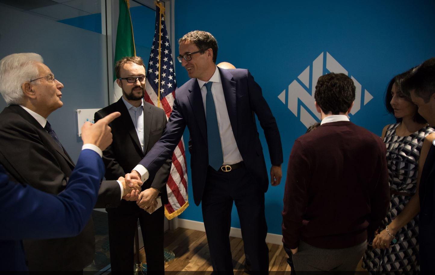 Mattarella premia un'Alfiere del Lavoro 'nostrana'