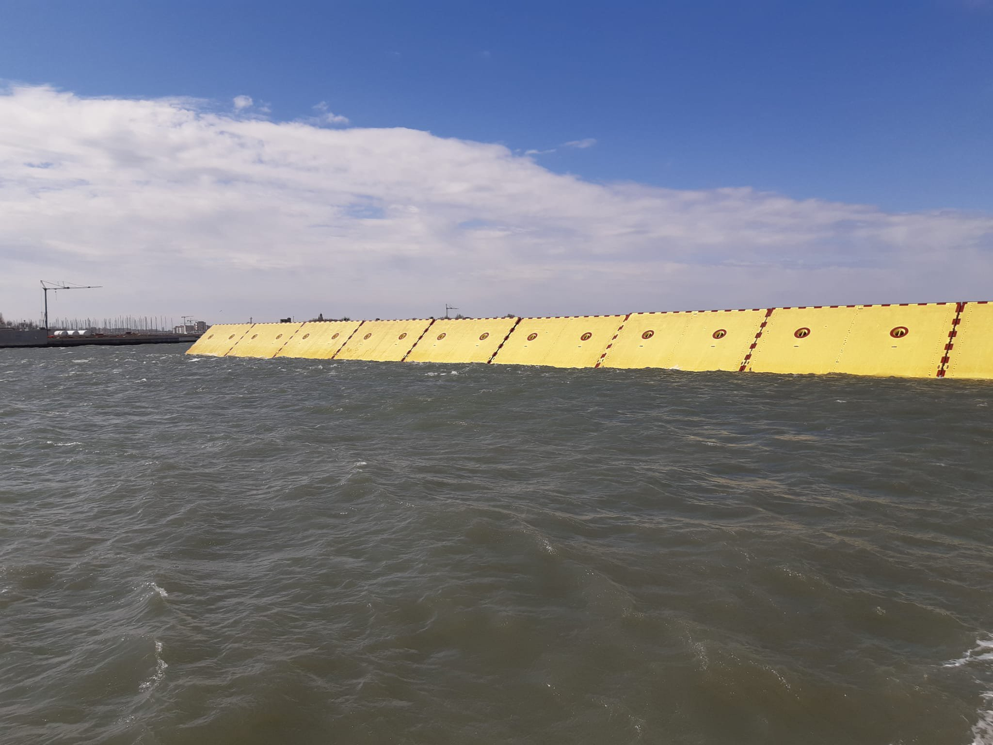 MOSE, al via il test per separare Venezia dall'Adriatico. La diretta video