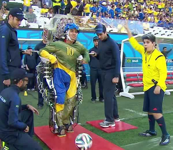world-cup-brazil-walk-again-nicolelis-exoskeleton-JULIANO-PINTO-kickoff2