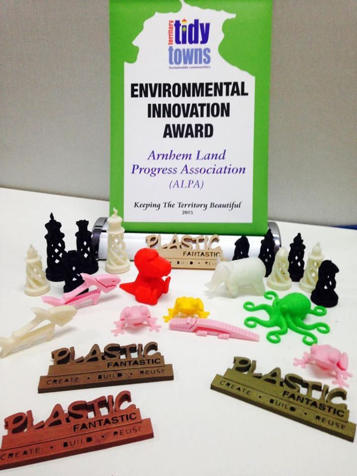 Plastic fantastic: così gli aborigeni riciclano la plastica e stampano in 3D