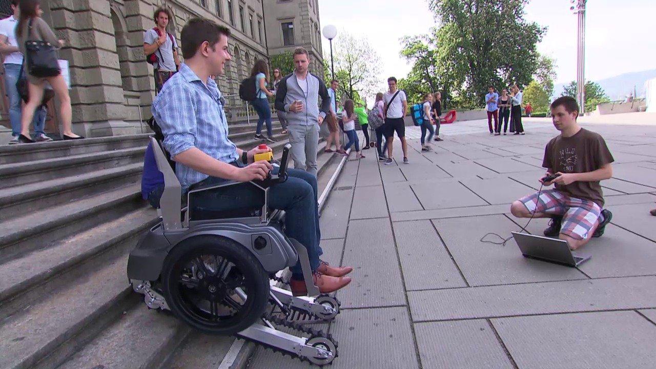 Sedie A Rotelle Per Scale : Scalevo la sedia a rotelle che sale le scale