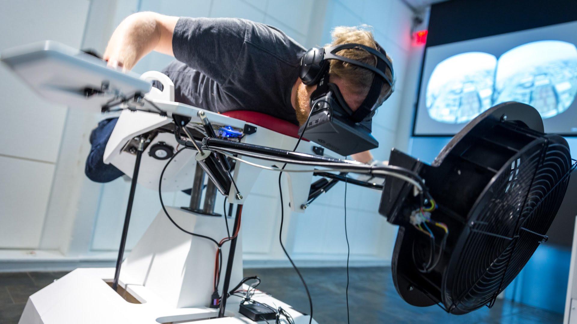 Birdly il simulatore di volo che ti trasforma in un 39 aquila for Simulatore di arredamento