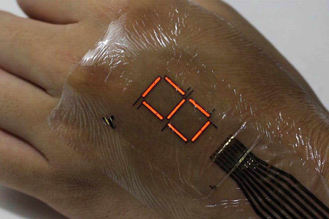 """Con questi display (sottilissimi) avremo presto una """"pelle elettronica"""""""