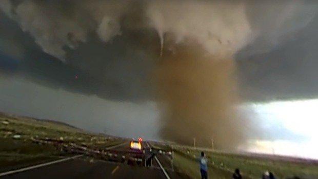 La potenza di un Tornado in un video a 360°