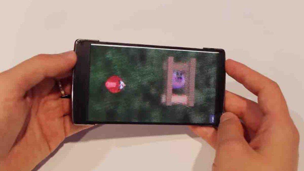 HoloFlex: nasce a Toronto il primo smartphone olografico flessibile al mondo