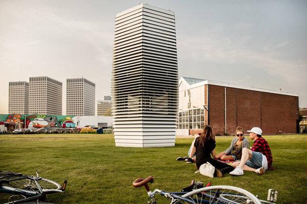 La torre (nata in Olanda) che aspira lo smog delle nostre città