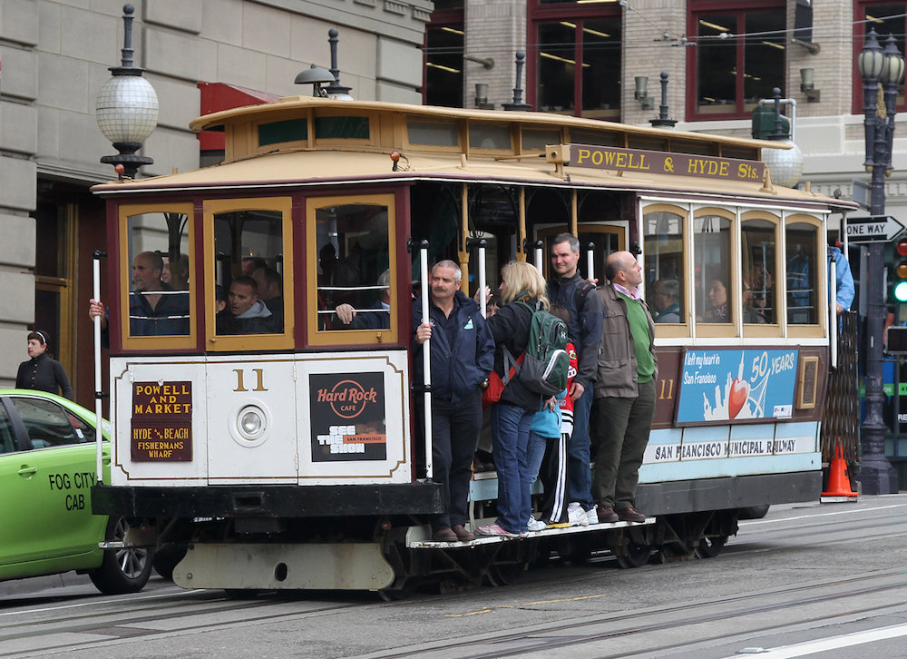 11_cable_car_on_powell_st_crop_sf_ca_jjron_25-03-2012
