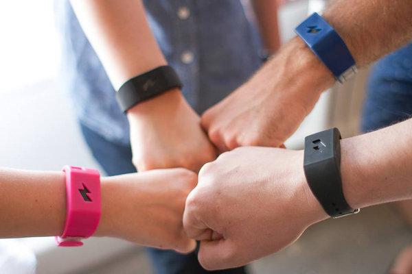 Pavlok, il bracciale che eliminerà tutte le nostre cattive abitudini