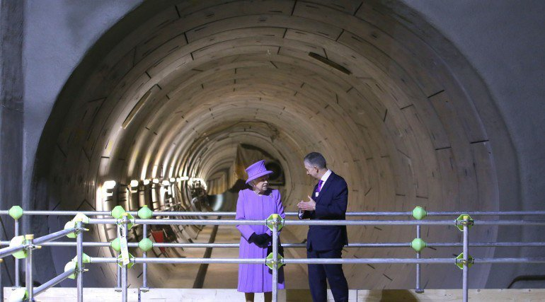 her-majesty-the-queen-visits-the-under-construction-crossrail-station-at-bond-street_227848