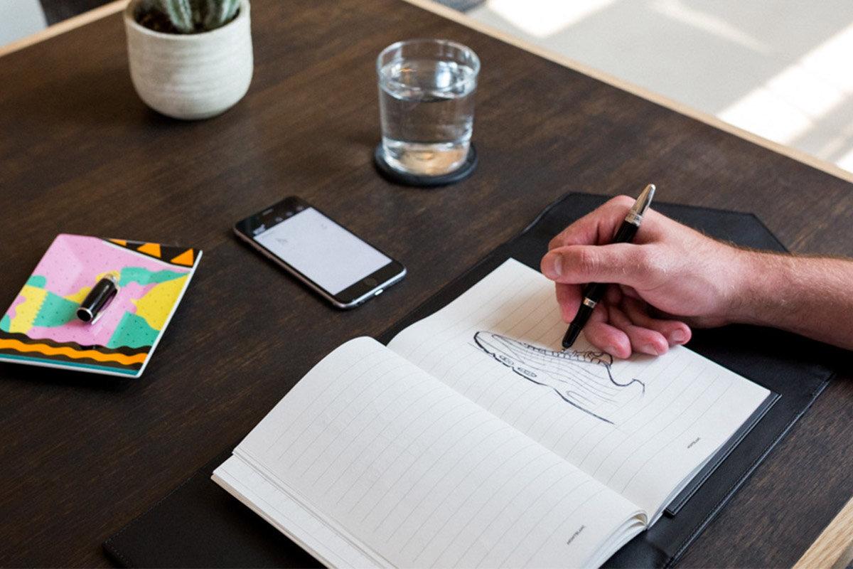 Dal foglio allo smartphone, la penna Montblanc digitalizza la scrittura