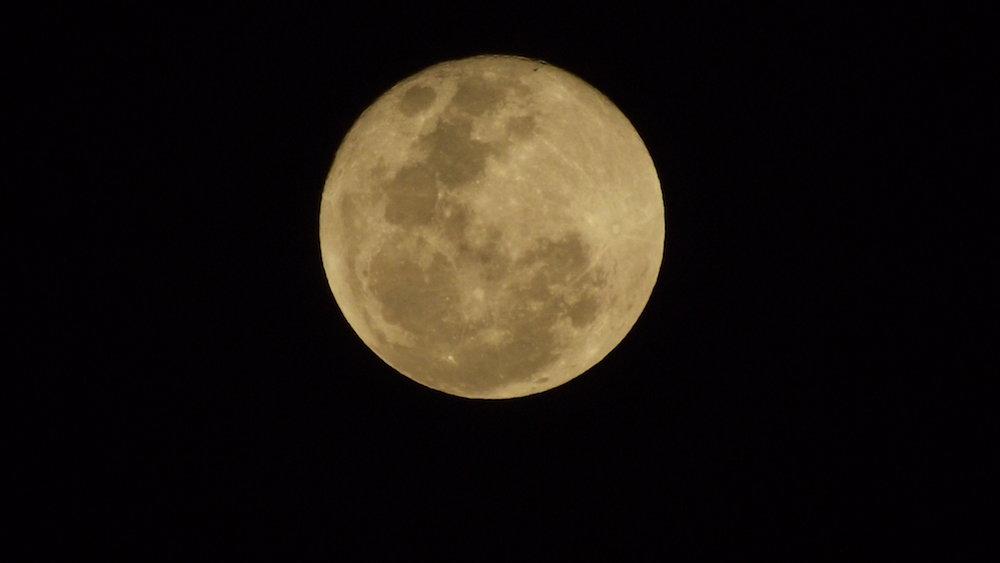 super_luna_2012_desde_uganda_entebbe