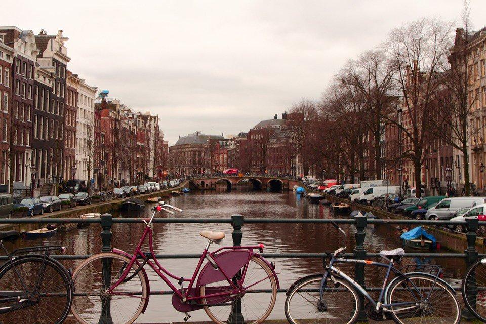 Bycycling l 39 app che fa guadagnare chi va al lavoro in for Amsterdam ostelli economici centro