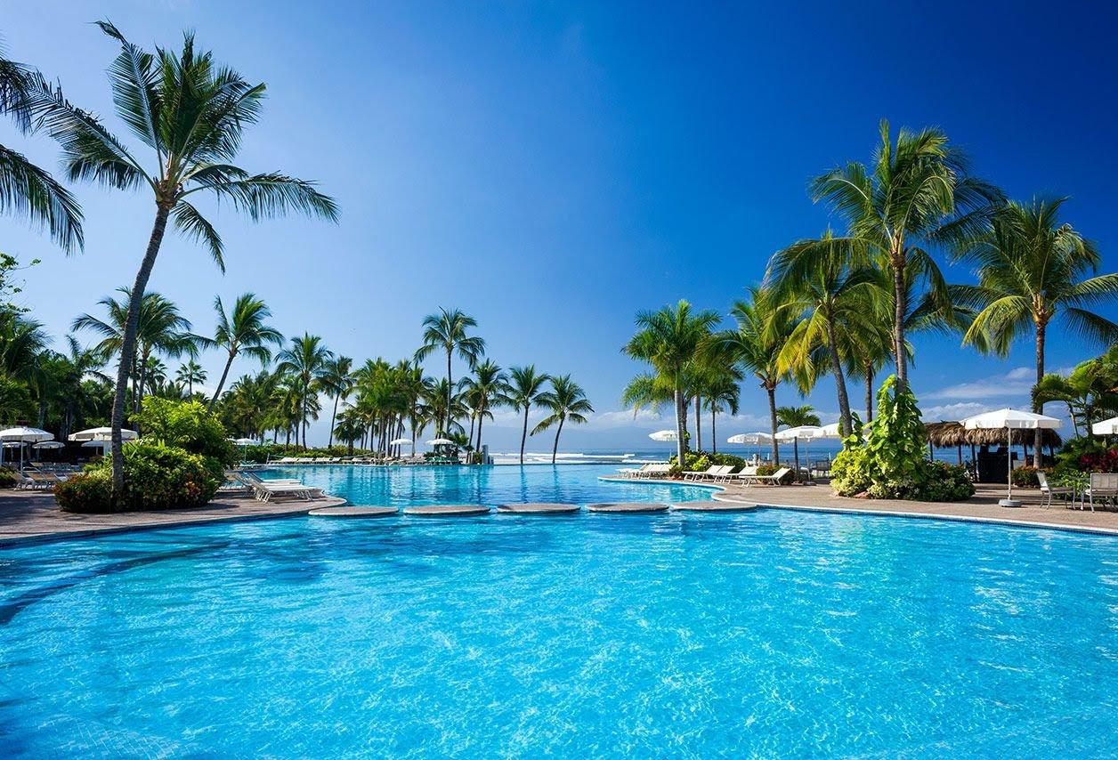 Lavoro dei sogni: stipendio da 100mila euro per testare spiagge e resort di lusso