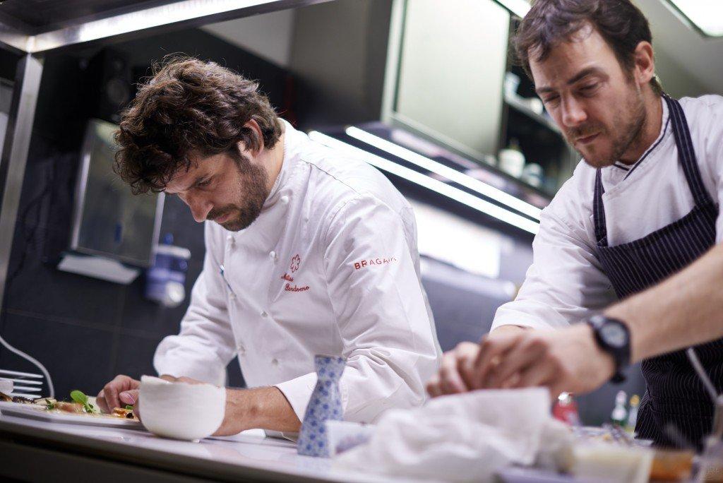 In cucina (da sinistra) Matias Perdomo, Simon Press