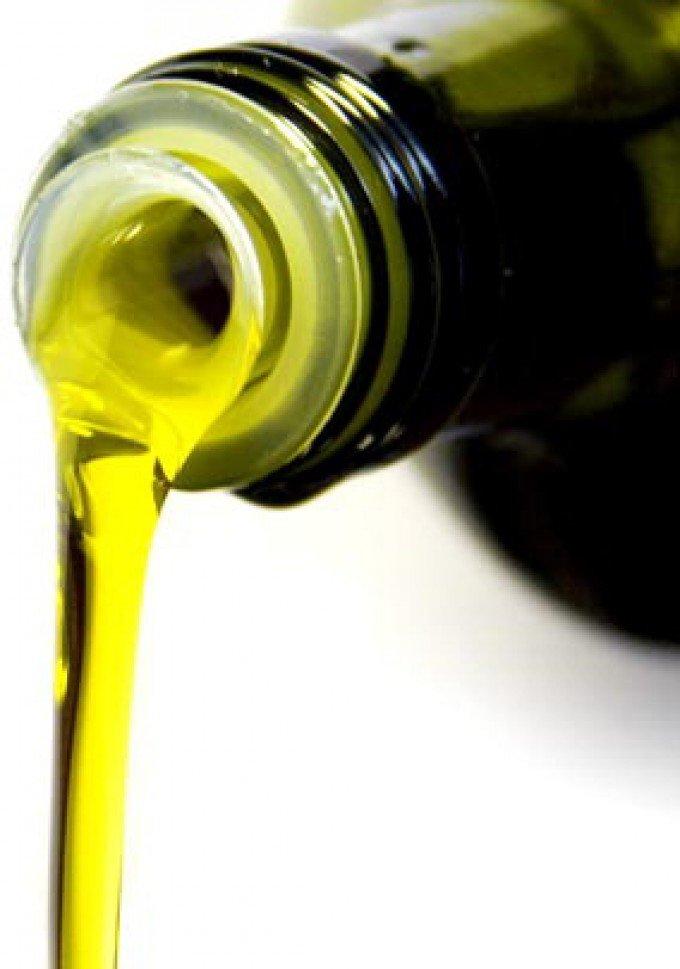 Anche l'olio di oliva finiva nel mirino