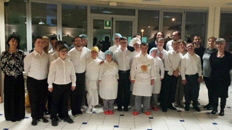 Staff del ristorante 21 grammi, foto di cooperativa Big Bang
