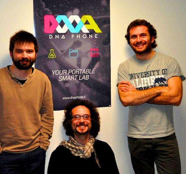 Il team di DNAPhone