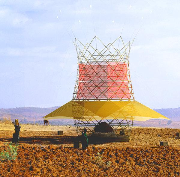 Il Warka Water in Etiopia: produce 100 litri di acqua al giorno