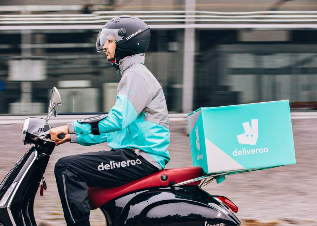 deliveroo-new-visual-branding-logo_dezeen_2364_ss_1