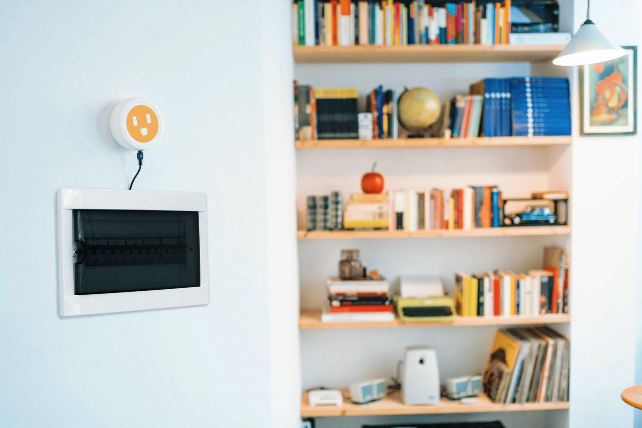 Midori e le app che aiutano a risparmiare energia elettrica e a tenere d'occhio i costi in bolletta