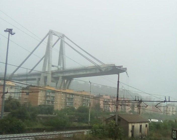 Genova, crolla il Ponte Morandi sull'A10 - Impact