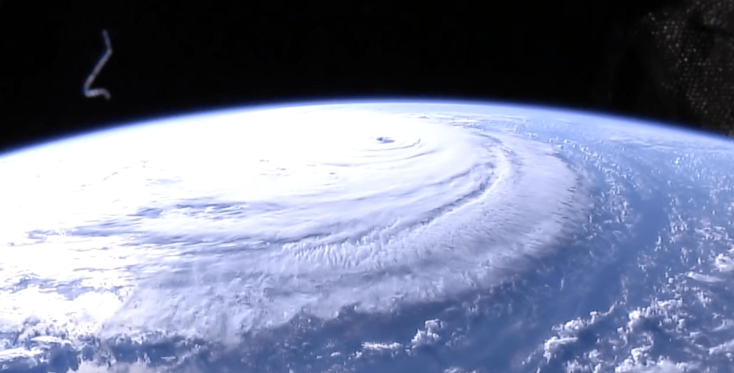 Uragano Florence: 5 cose da sapere. Dal rischio per le centrali nucleari alle fake news sugli squali volanti