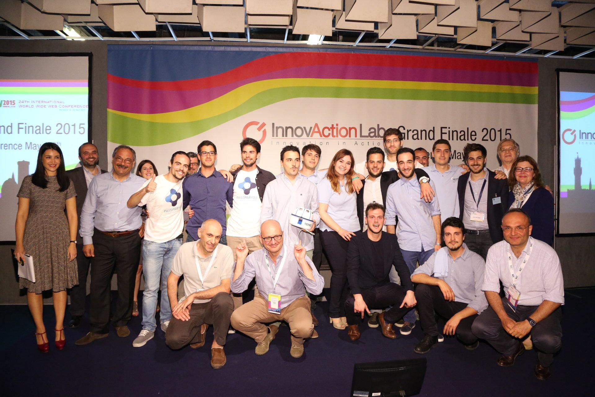 i vincitori insieme ai fondatori di innovaction lab e agli sponsor