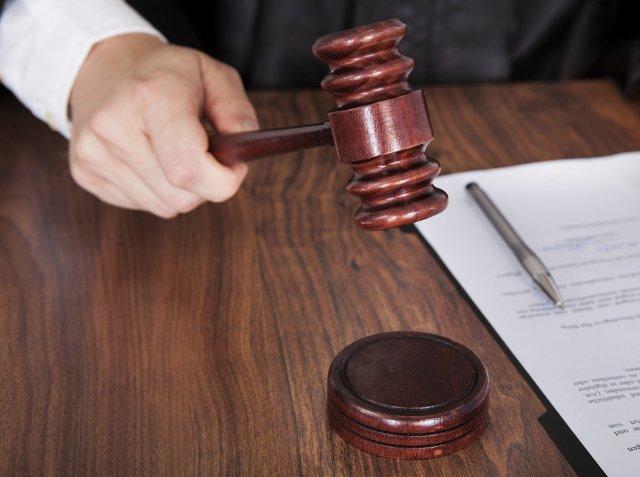 judge-court-gavel-640x477