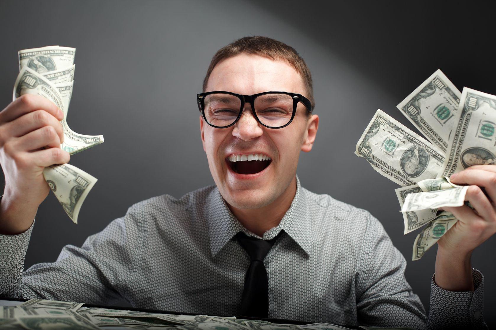 Bingo-Happy-Man-with-Money