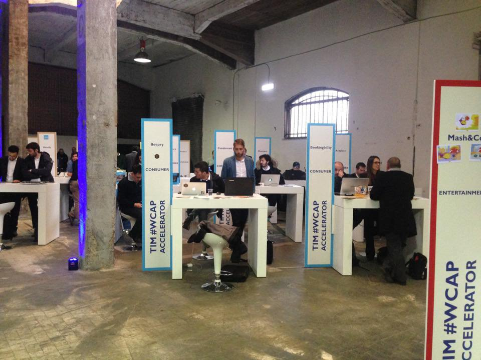 demo-day-2015_stands