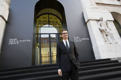 Federico Marchetti Outside Milan Stock Exchange_MGTHUMB-INTERNA