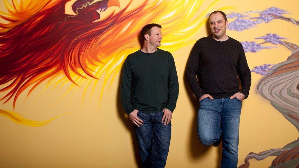 Brian Acton (a sinistra) e Jan Koum (a destra)