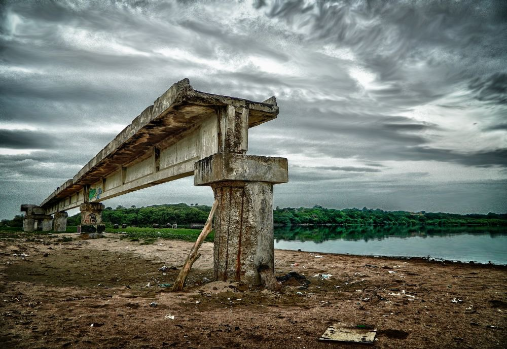 broken-bridge-besant-nagar-wordpress