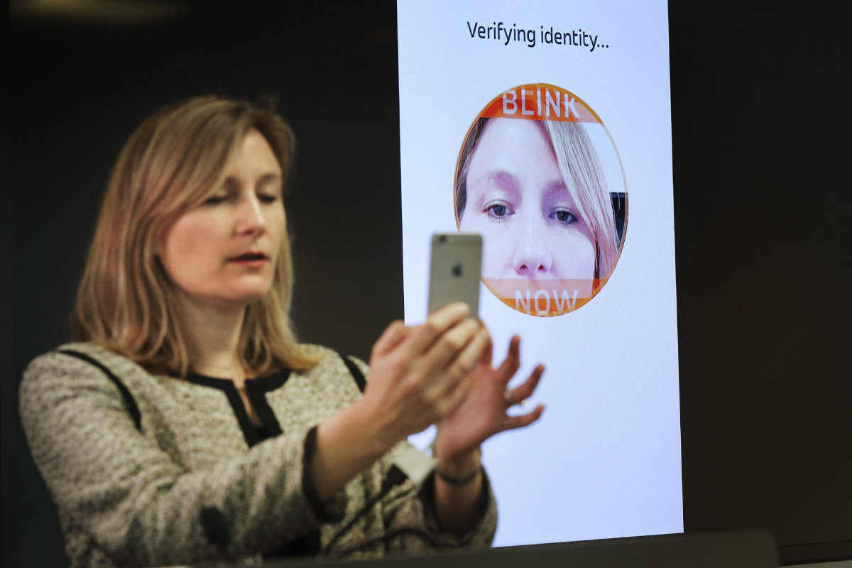 MasterCard selfie pay system unveiled