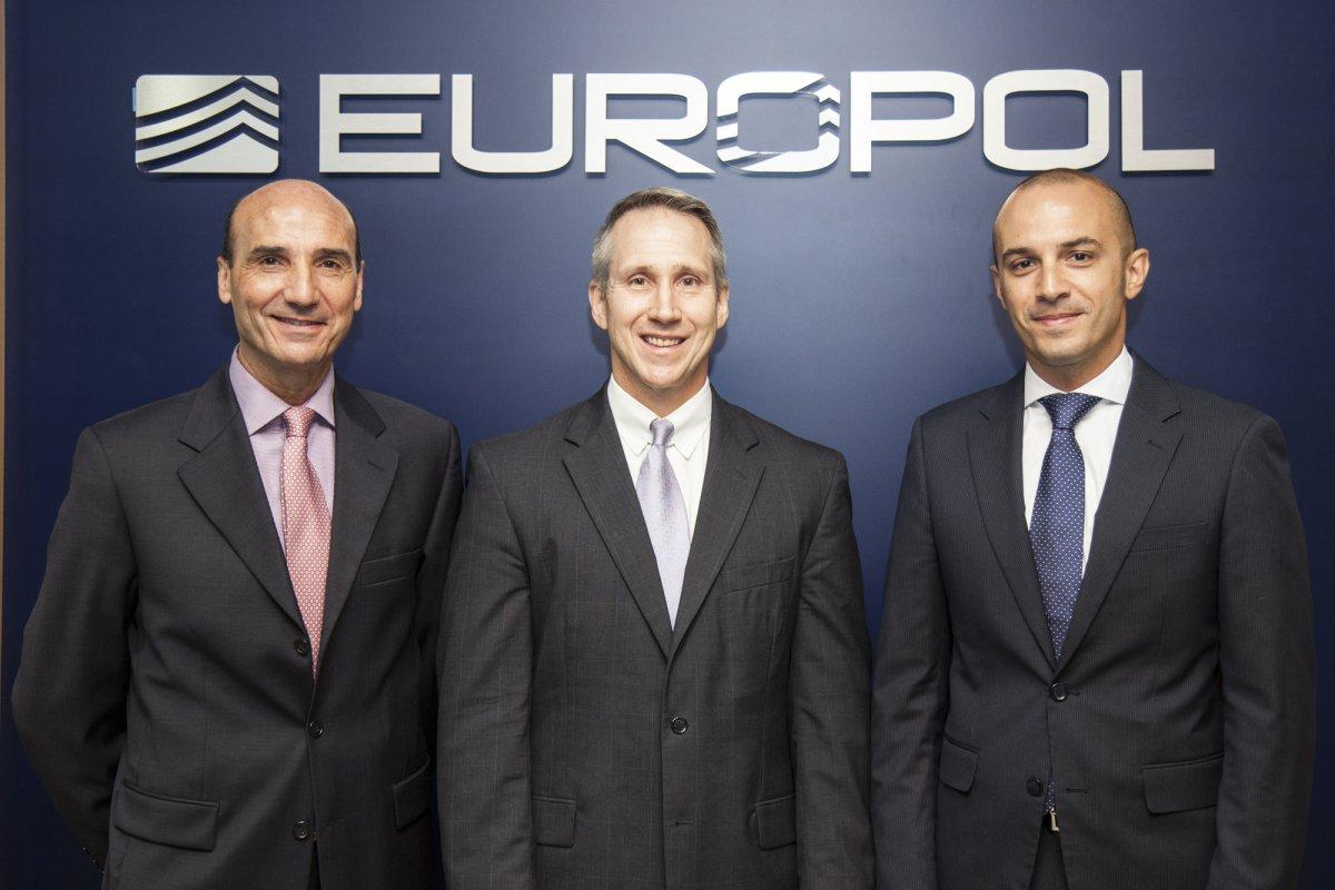 partnership-europol-interpol