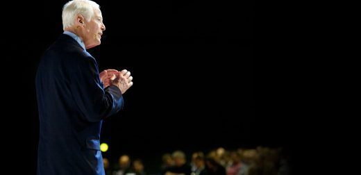 brian_tracy_on_stage_1