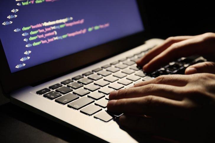 computer-hacker-728x485