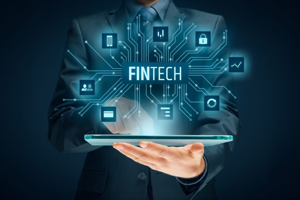 ec21006a82 Direi che però la questione centrale per lo sviluppo dell'innovazione nel  settore finanziario (e non solo) è quella di come regolare e perseguendo  quali ...