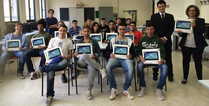 Foto_tablet Federico Caffè (1)