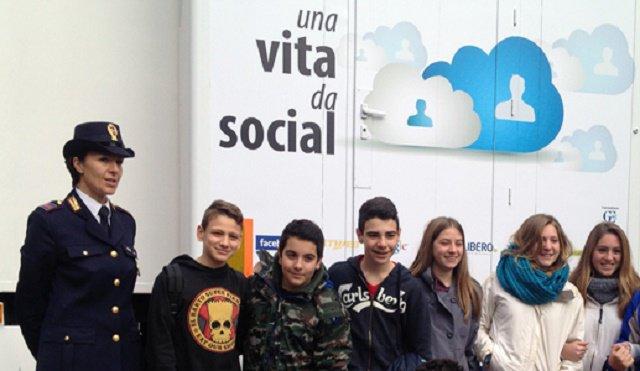 Miur e Polizia incontrano 400mila studenti contro il cyberbullismo
