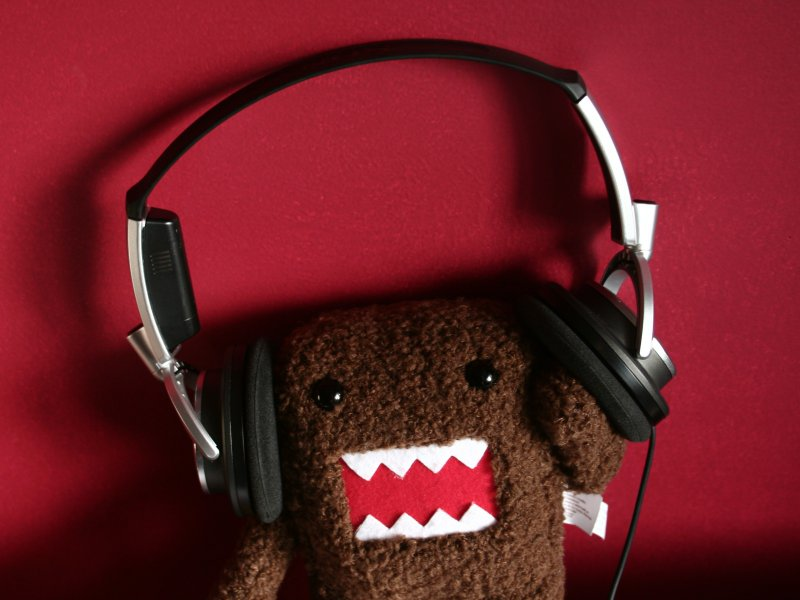 headphones red domo domokun 1600x1200 wallpaper_www.wall321.com_86