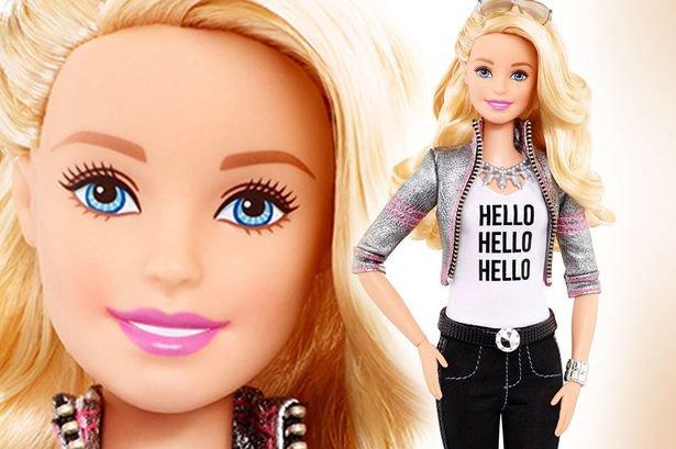 """Ecco La Bambola Col """"cervello"""": Hello Barbie Parla, Pensa"""