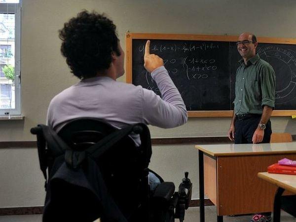 Aumentano gli alunni disabili ma sono sempre meno i prof di sostegno a tempo indeterminato