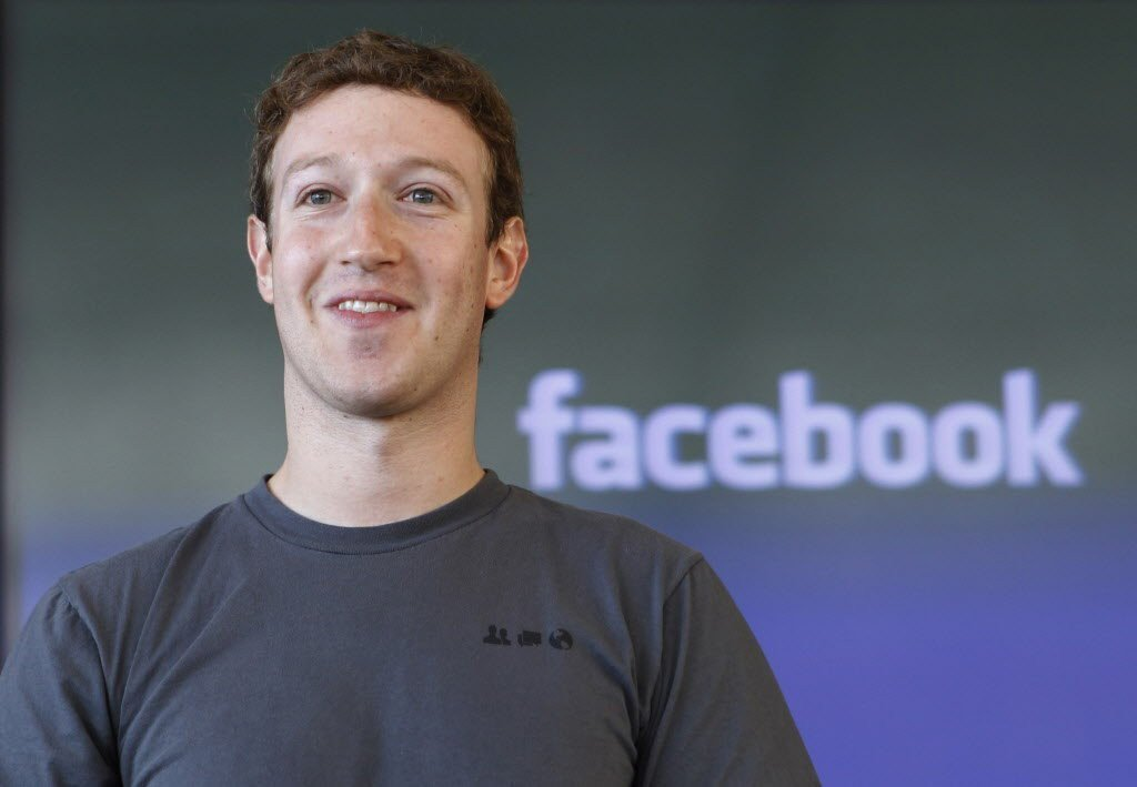 Mark_Zuckerberg_stipendio_1_dollaro_Facebook_social_network