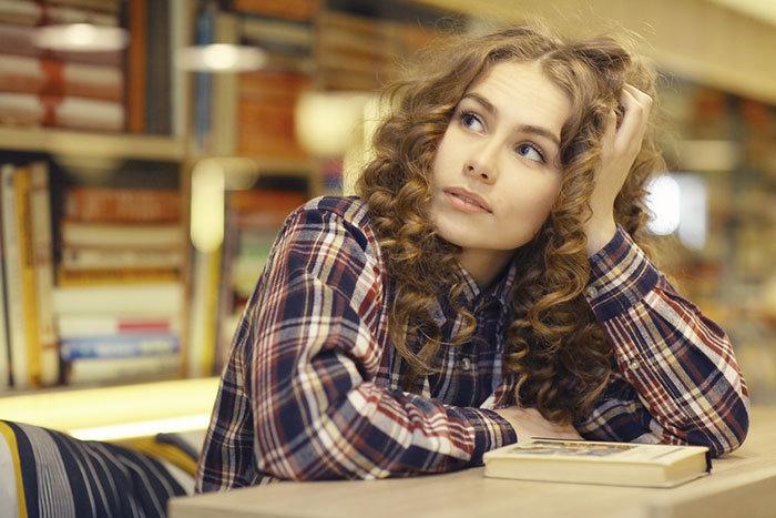 Più brave a scuola, ma le donne guadagnano meno degli uomini
