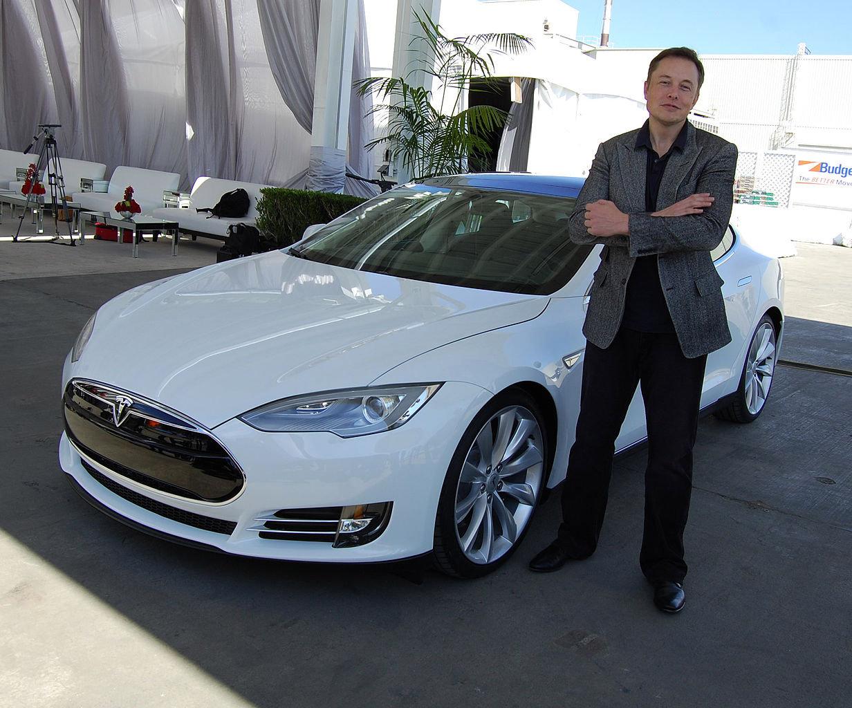 13 cose che ti chiederebbe Elon Musk per assumerti in Tesla
